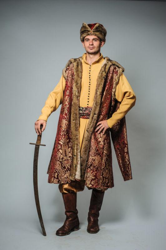 Чоловічі костюми